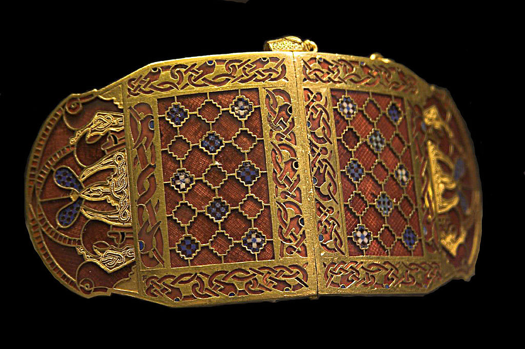 Sutton Hoo Shoulder Clasp Rob Roy wikipedia